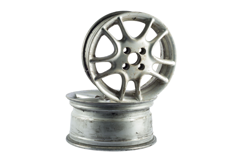 Aliuminio ratlankiai iš automobilių